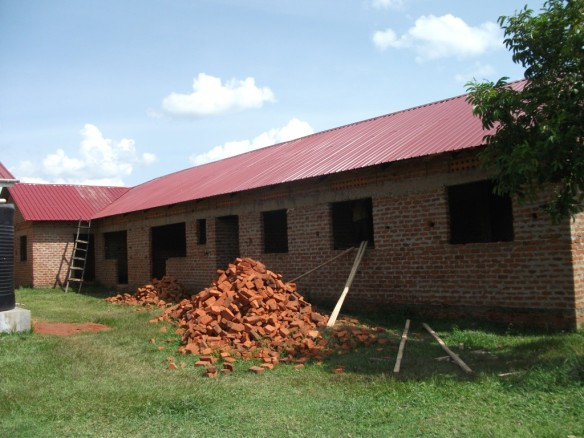 Last year CanAssist funded the installation of this roof on a new maternity ward at the Olimai Clinic in Uganda. This year we would like to provide guttering and rainwater storage tanks to provide water for the clinic.