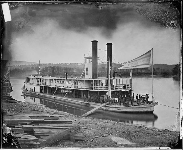 """Look_out""_(Transport_Steamer)_on_Tennessee_River_-_NARA_-_5289791_restored.jpg"